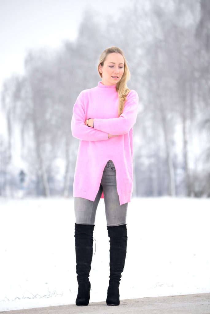 Gamiss Pink Sweater & Over-the-knee-boots