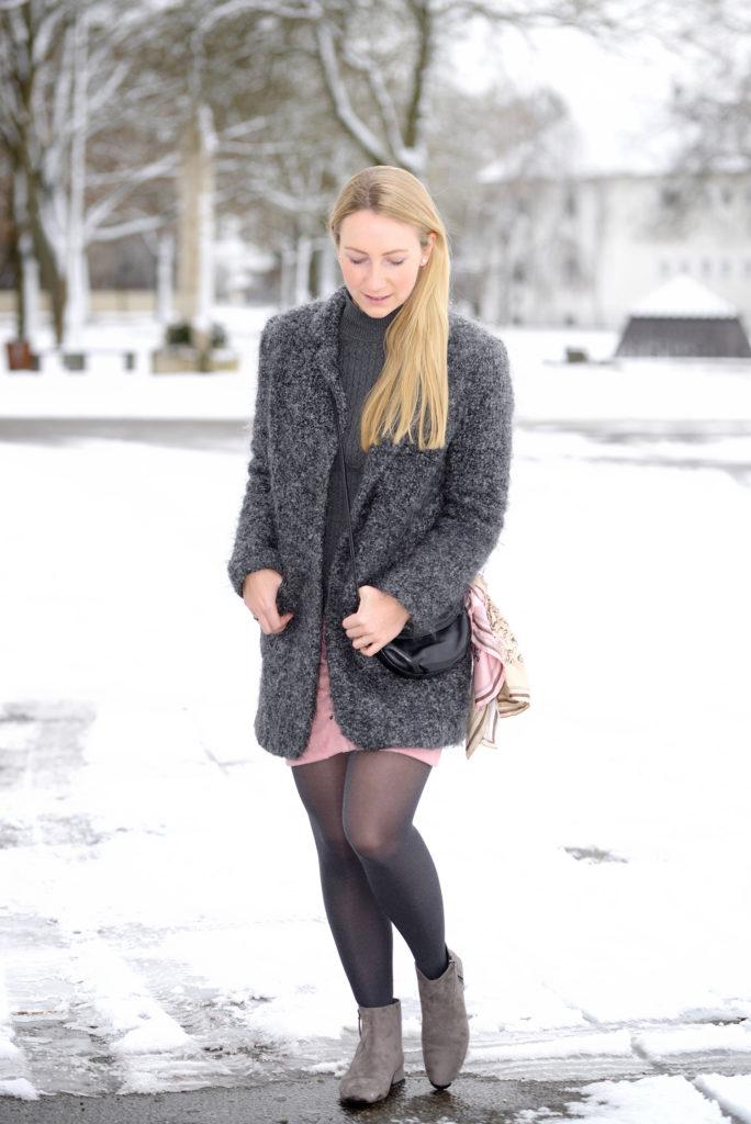 The little pink Skirt: Newchic, Calvin Klein & Zara
