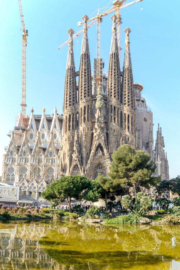 Explore Barcelona: La Sagrada Família + 10 Short Facts