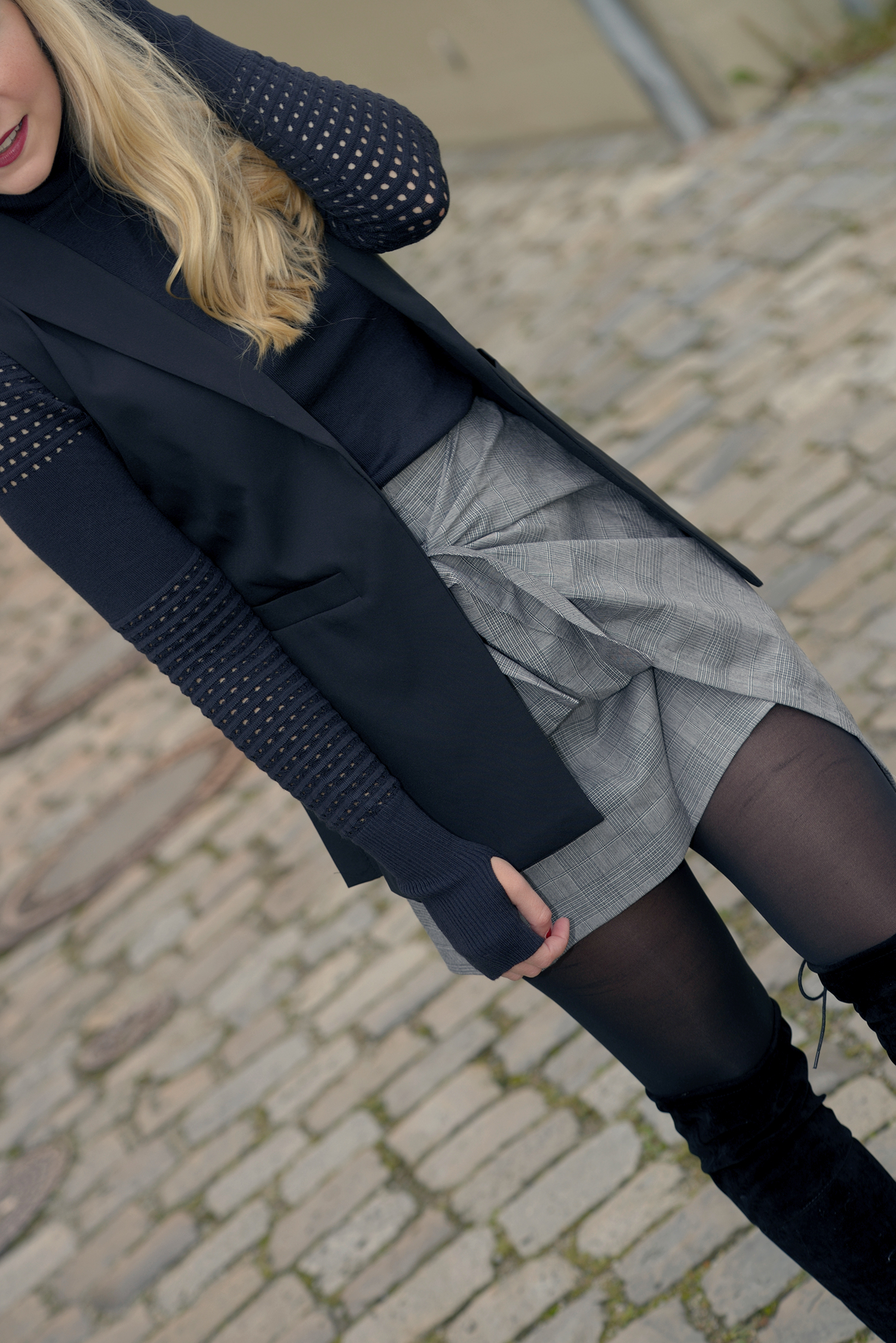 Outfit Skirt Over-the-Knee-Boots