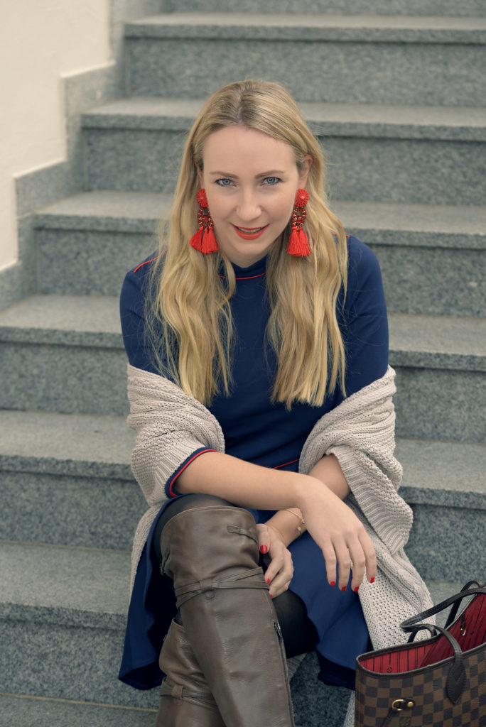 Statement Earrings & Over-the-Knee-Boots